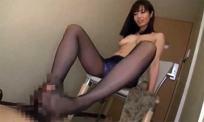 清城ゆき パンスト足コキ